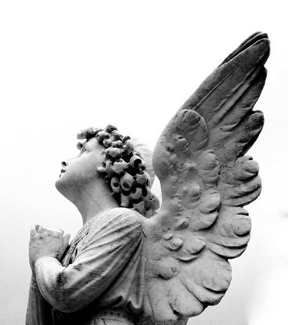 angel-praying-2