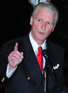 robert-r-reilly-at-podium
